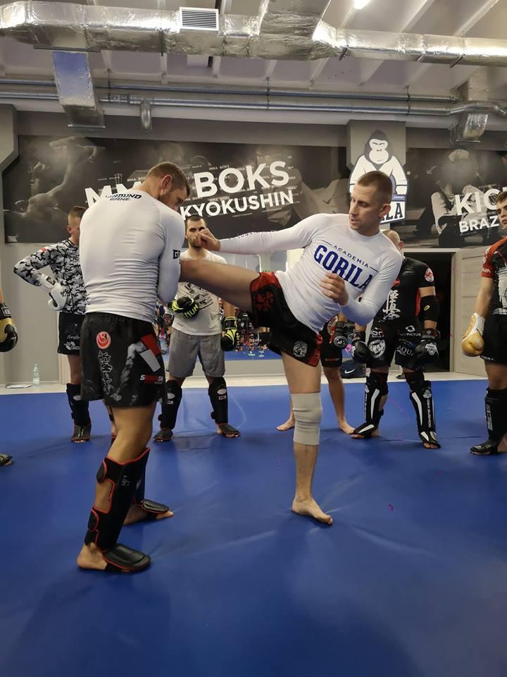 Seminarium w Academia Gorila - Mistrz Świata Muay Thai Maciej Skupiński